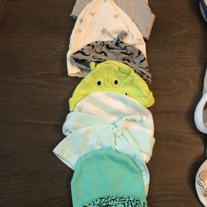 2317c2d3834 Cat   Jack Accessories - Lot is 23 baby bibs and hats newborn to 6 Months